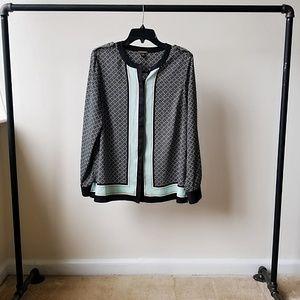 Dana Buchman long sleeve button up blouse